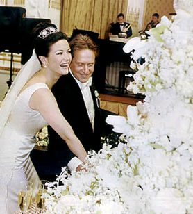 Celebrity Wedding Picture on Wedding Cakes Check Also Celebrity Brides And Celeb Engagement Rings